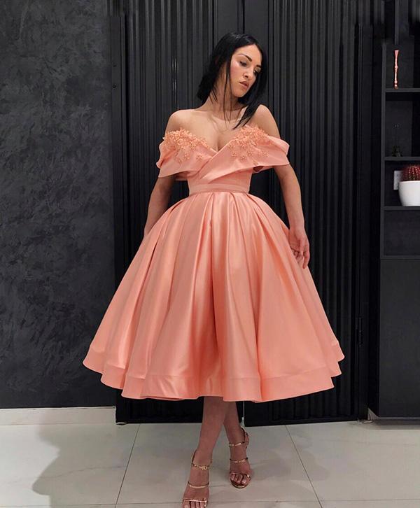 вечернее платье с открытыми плечами фото