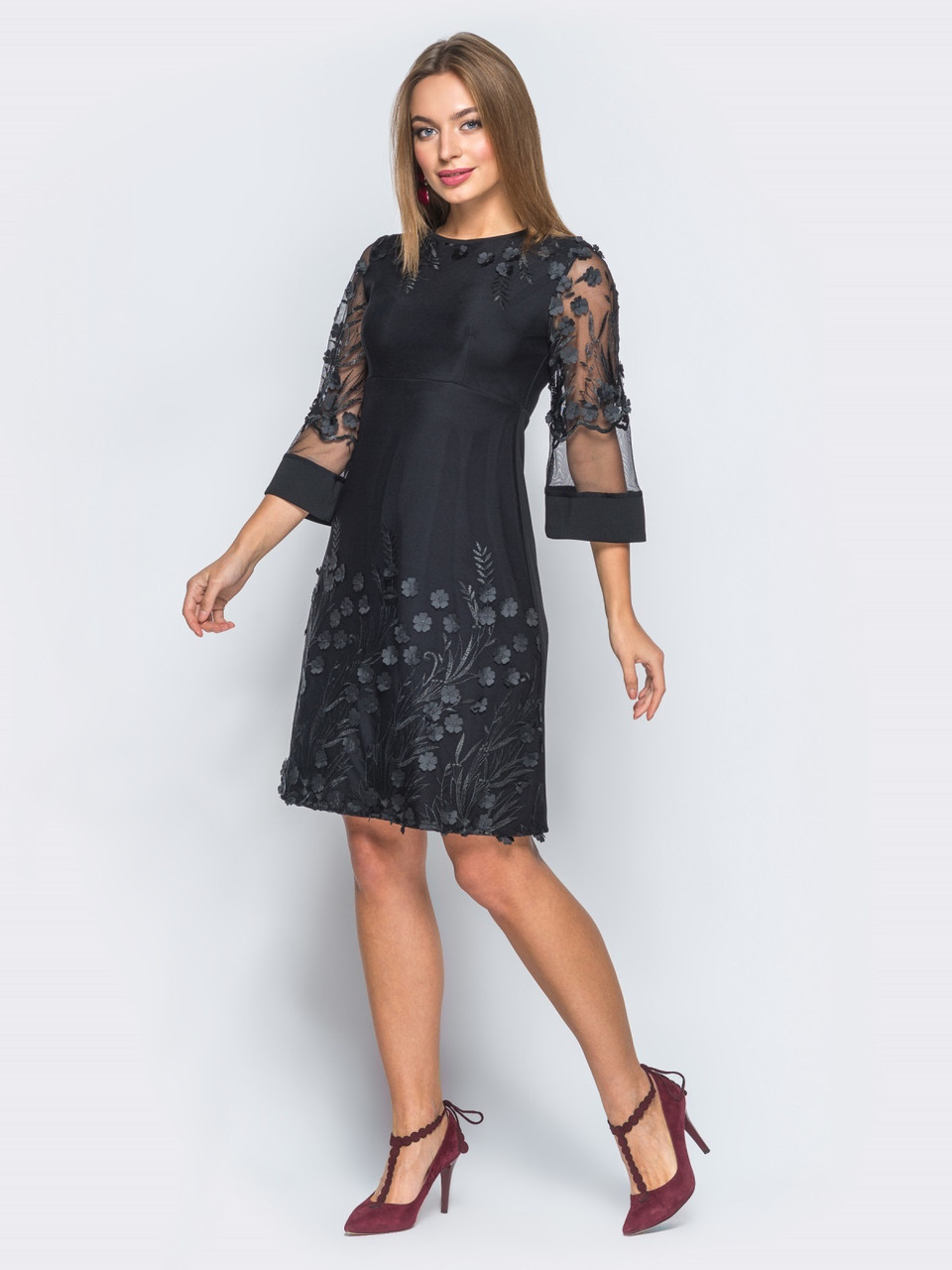Черное платье А-силуэта  фото