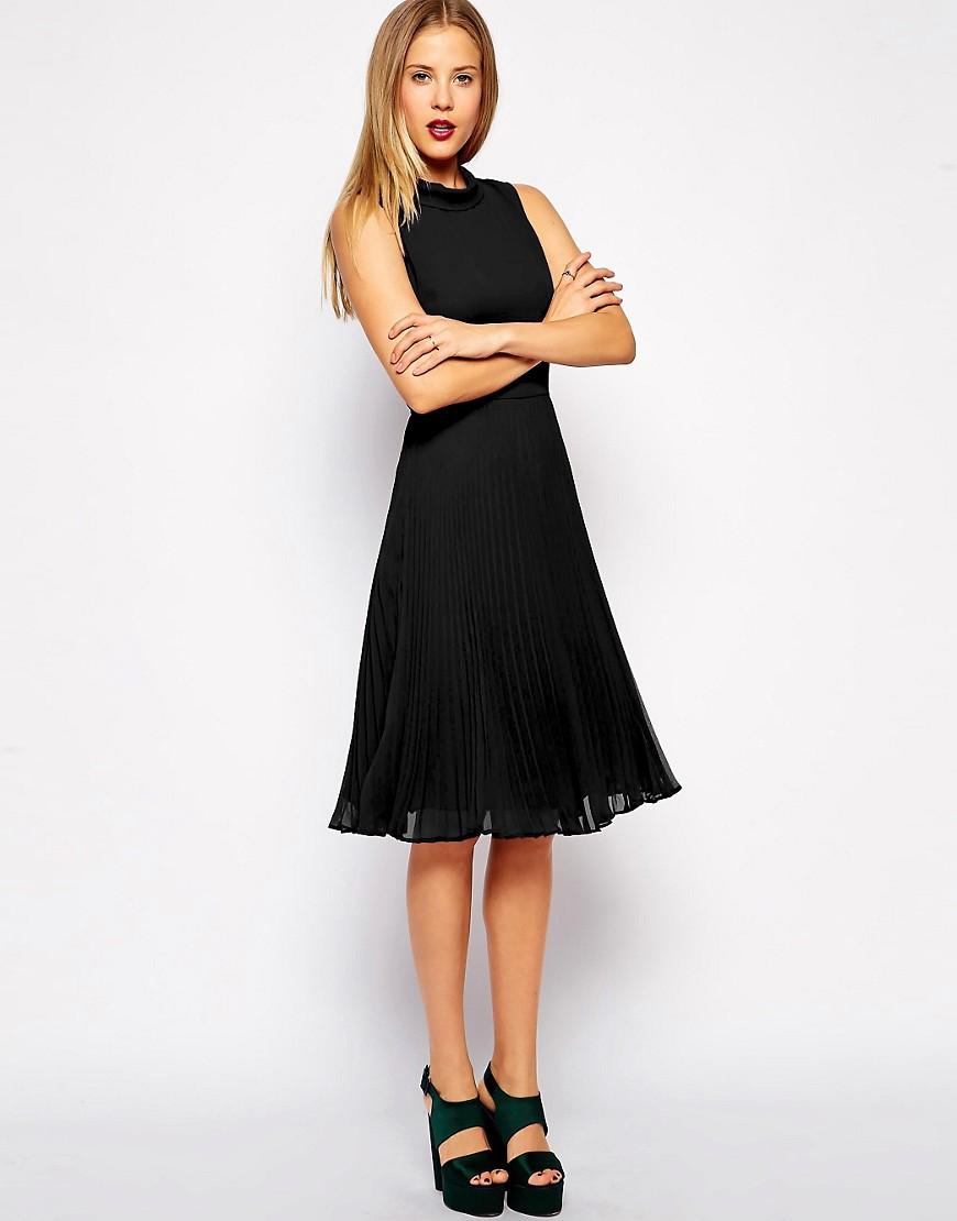 Черное платье с юбкой плиссе фото
