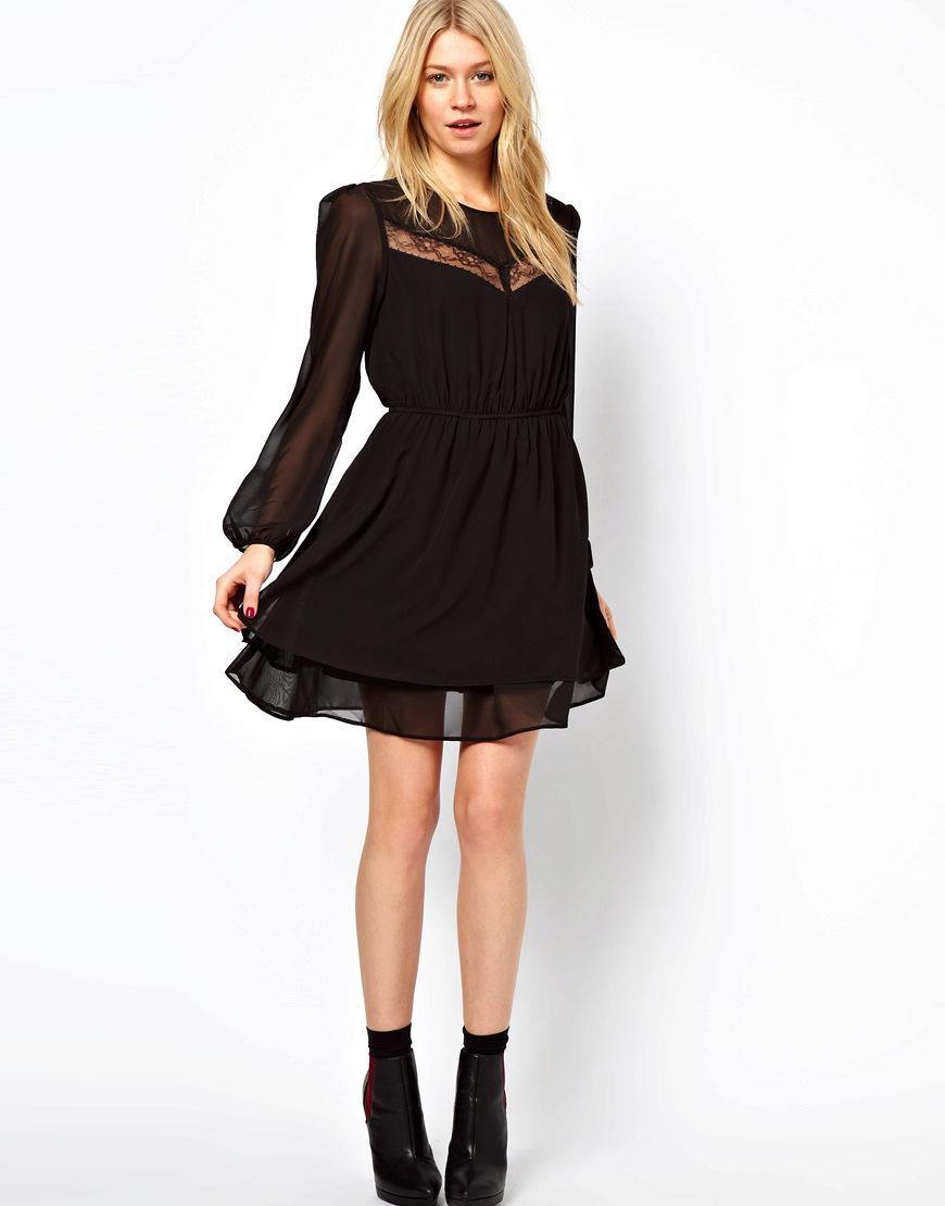 черное платье и ботильоны фото