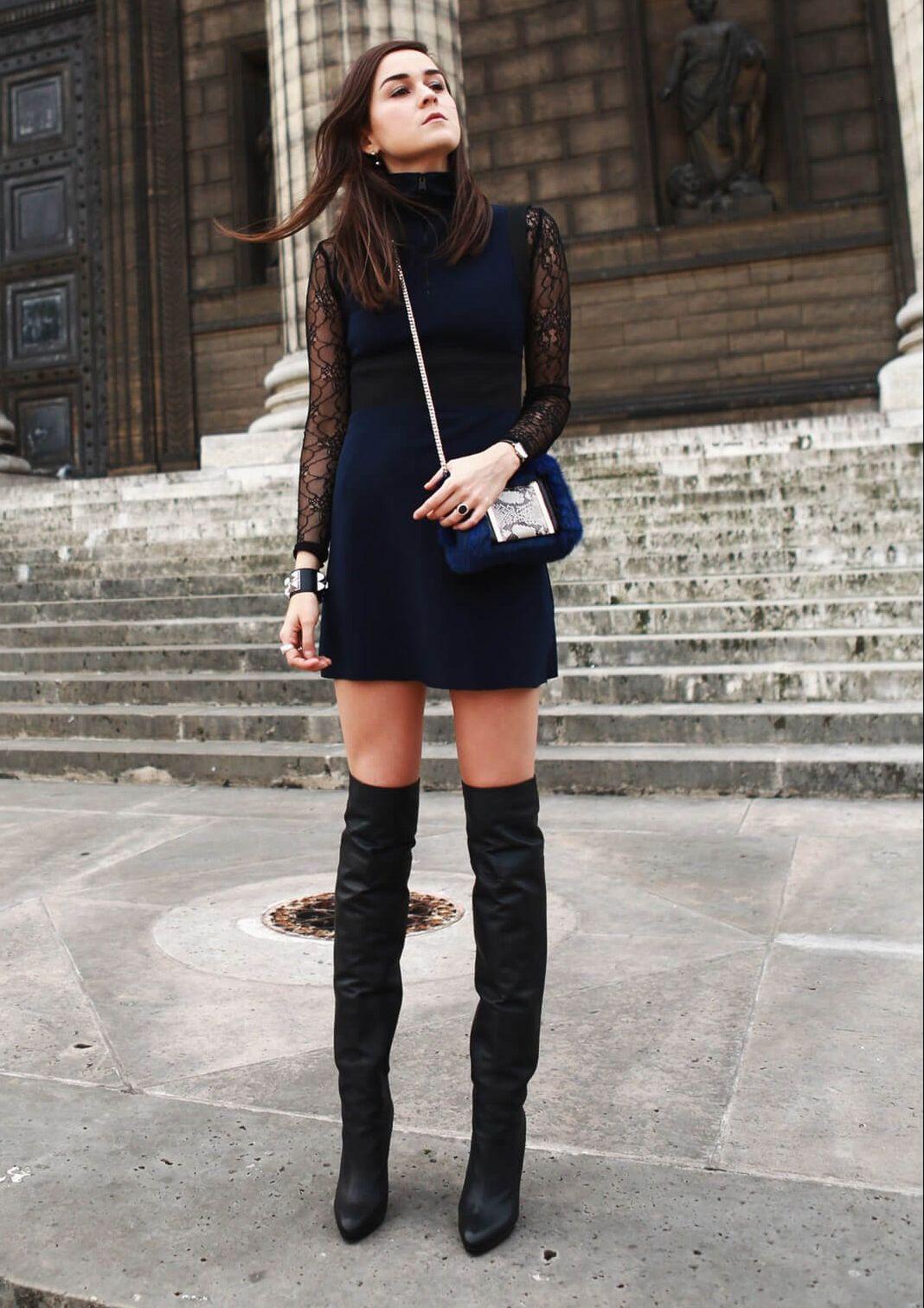 черное платье и сапоги-ботфорты фото
