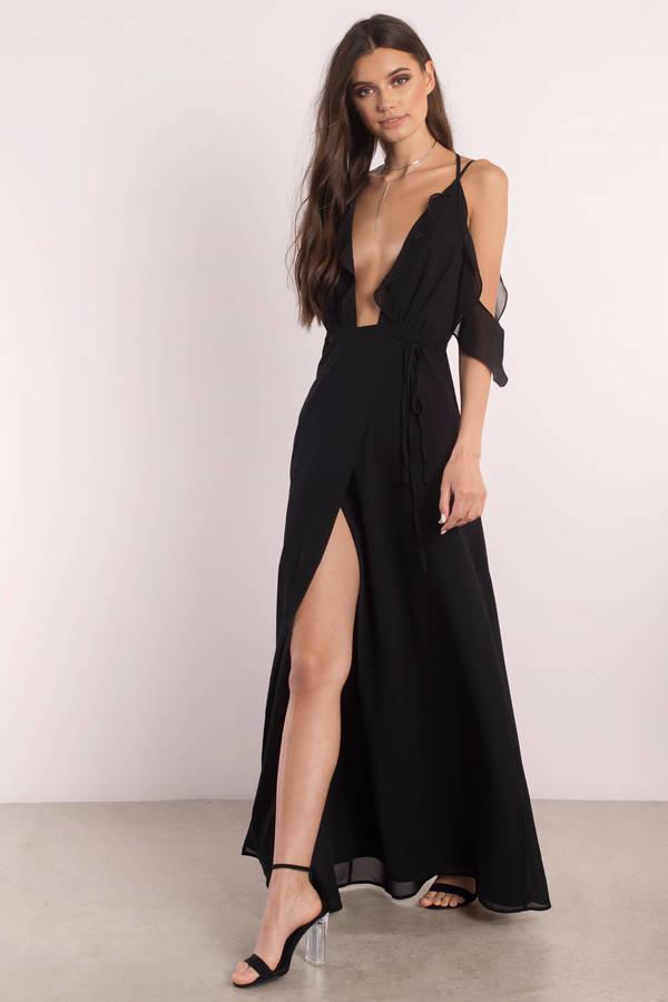 Черное платье с разрезом по ноге фото
