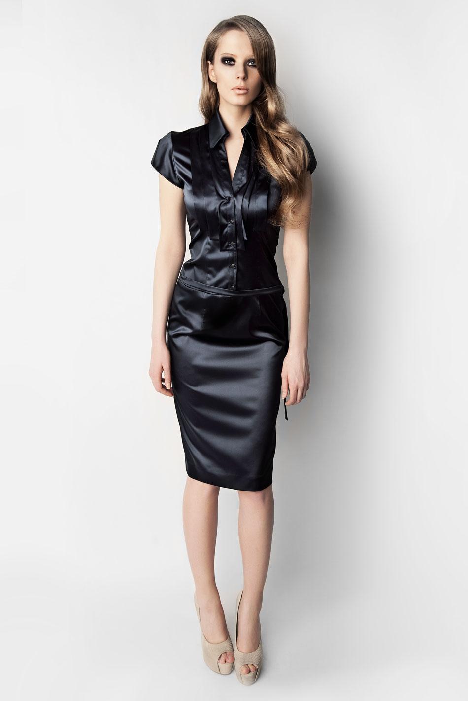 платье из шелка деловое