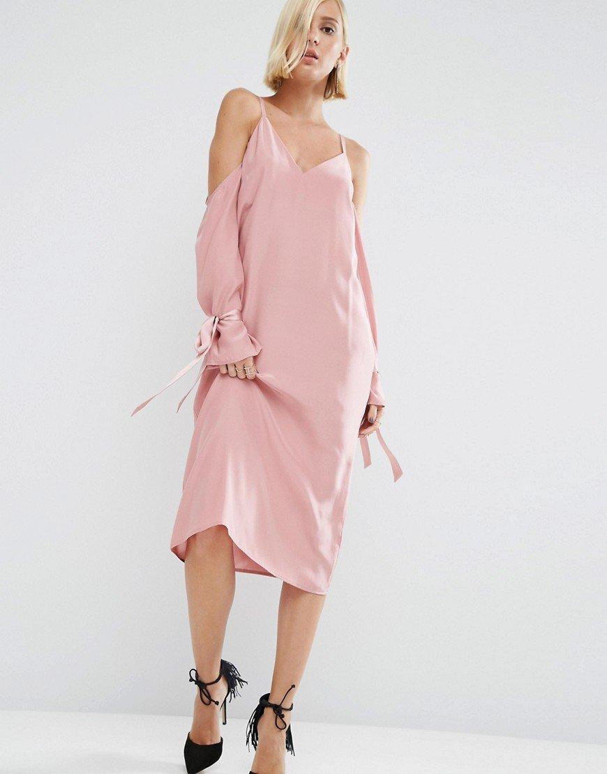 платье из шелка розовое