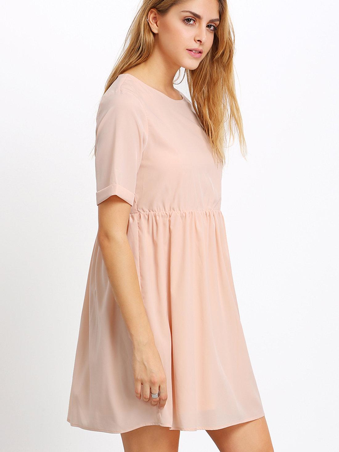 платье свободного кроя бежевое