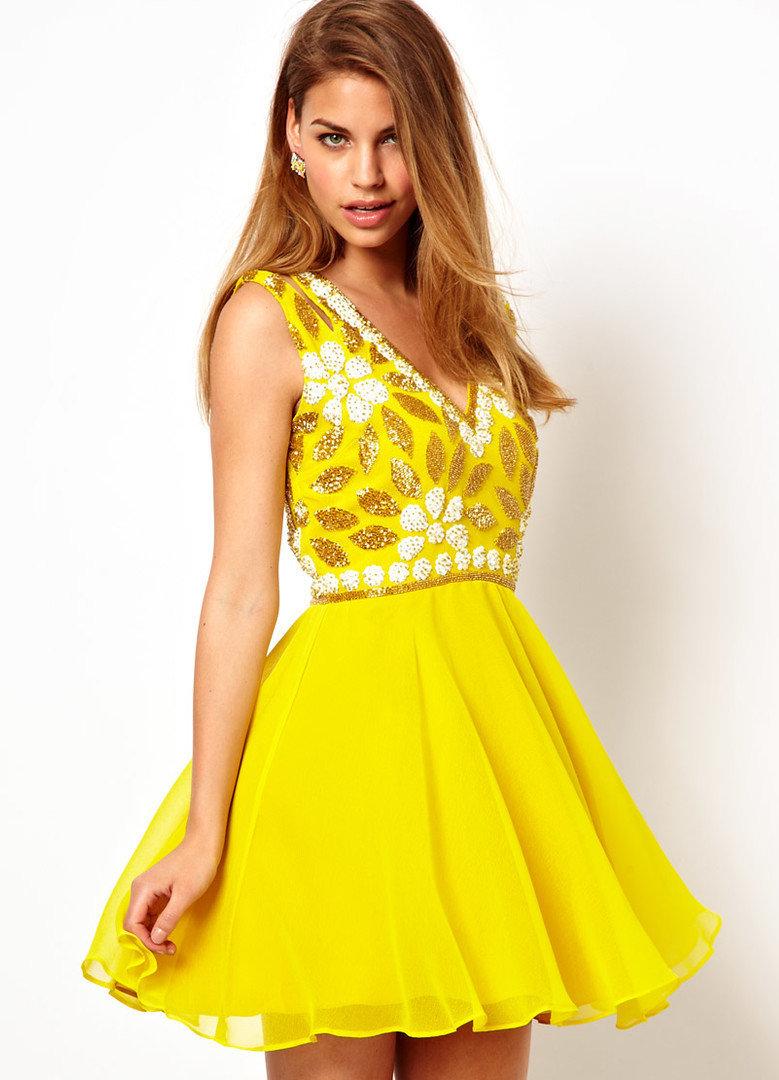 желтое платье короткое