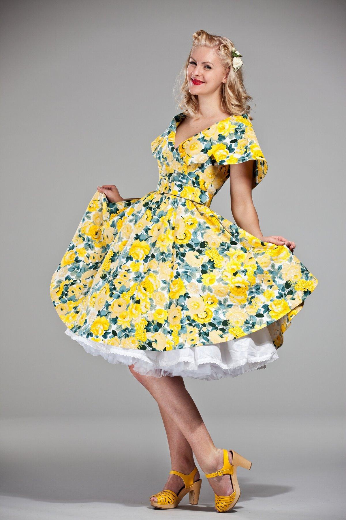 желтое платье в стиле стиляги