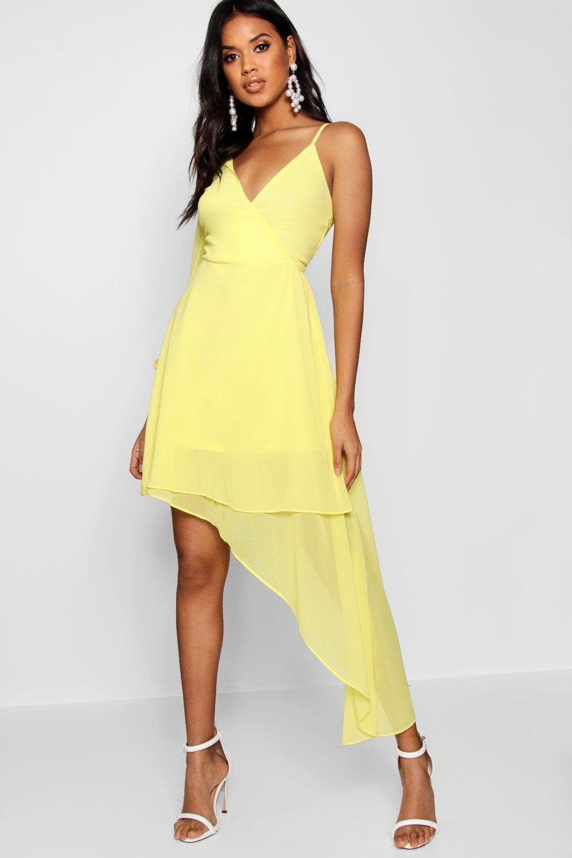 желтое платье с ассиметричной юбкой