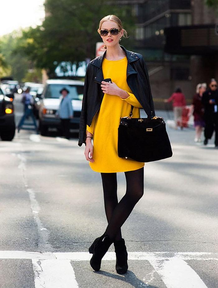 желтое платье и косуха