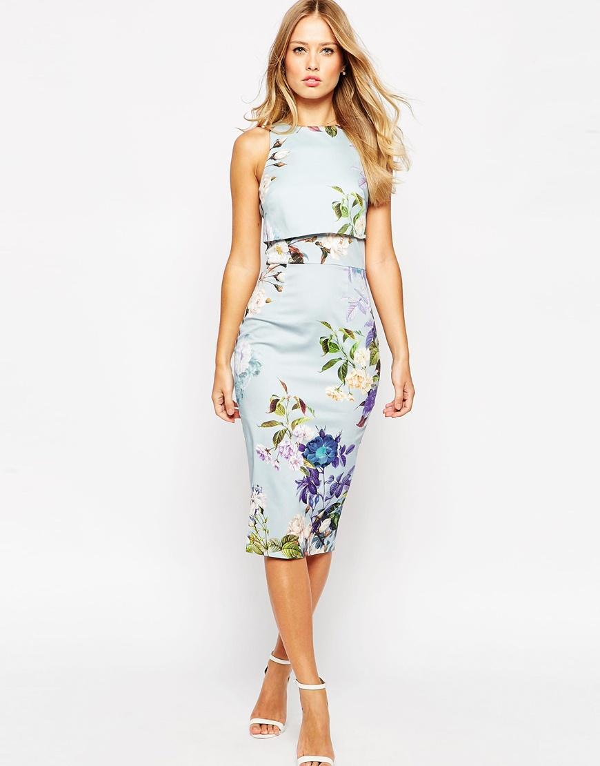 платье с цветочным принтом карандаш фото