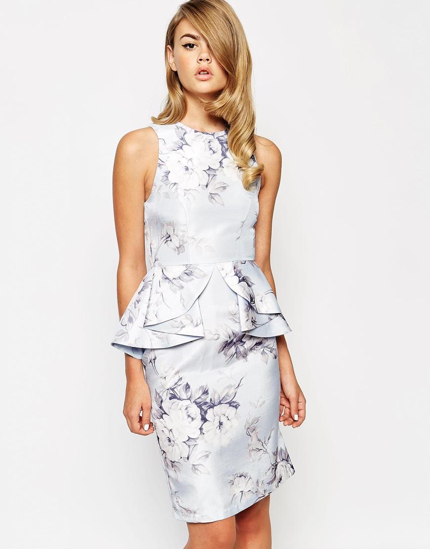 платье с цветочным принтом с баской фото