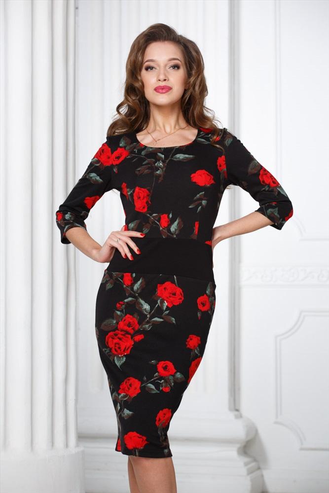 Черное платье с красными цветами фото