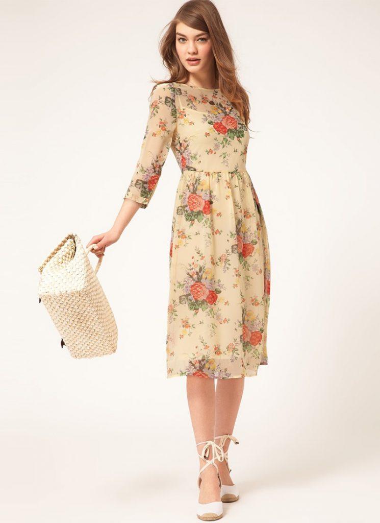 бежевое платье с цветами фото
