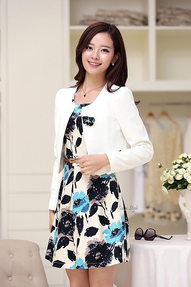 Платье с цветами и пиджак фото