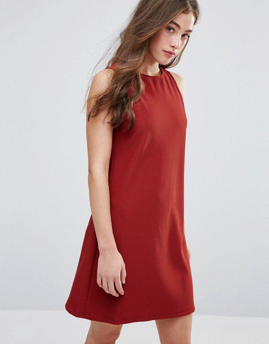 платье трапеция без рукавов