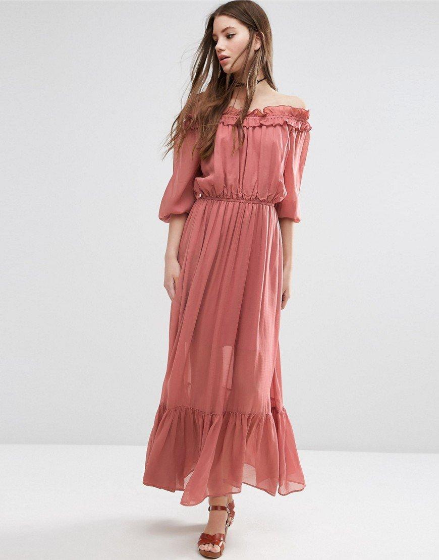 длинное платье с открытыми плечами фото