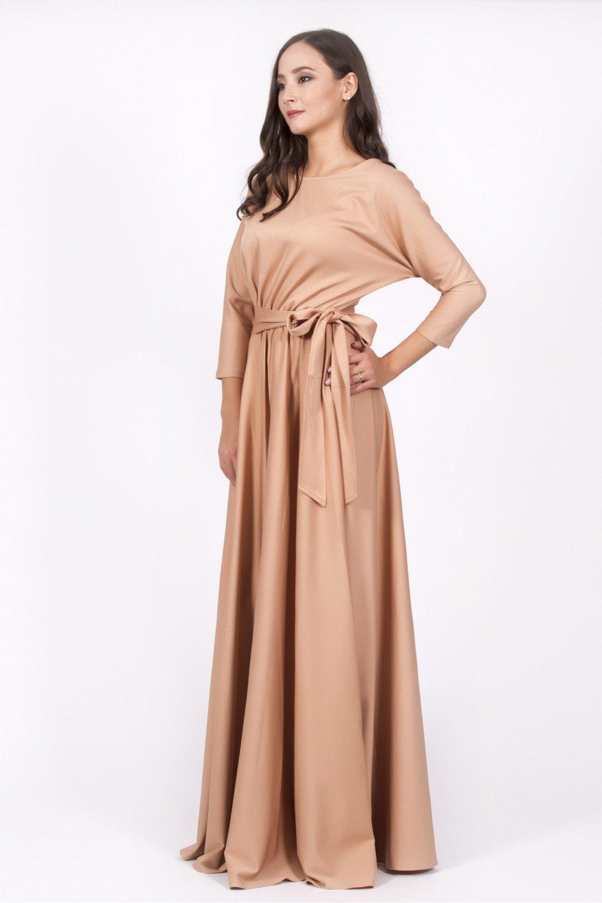 длинное платье бежевое фото