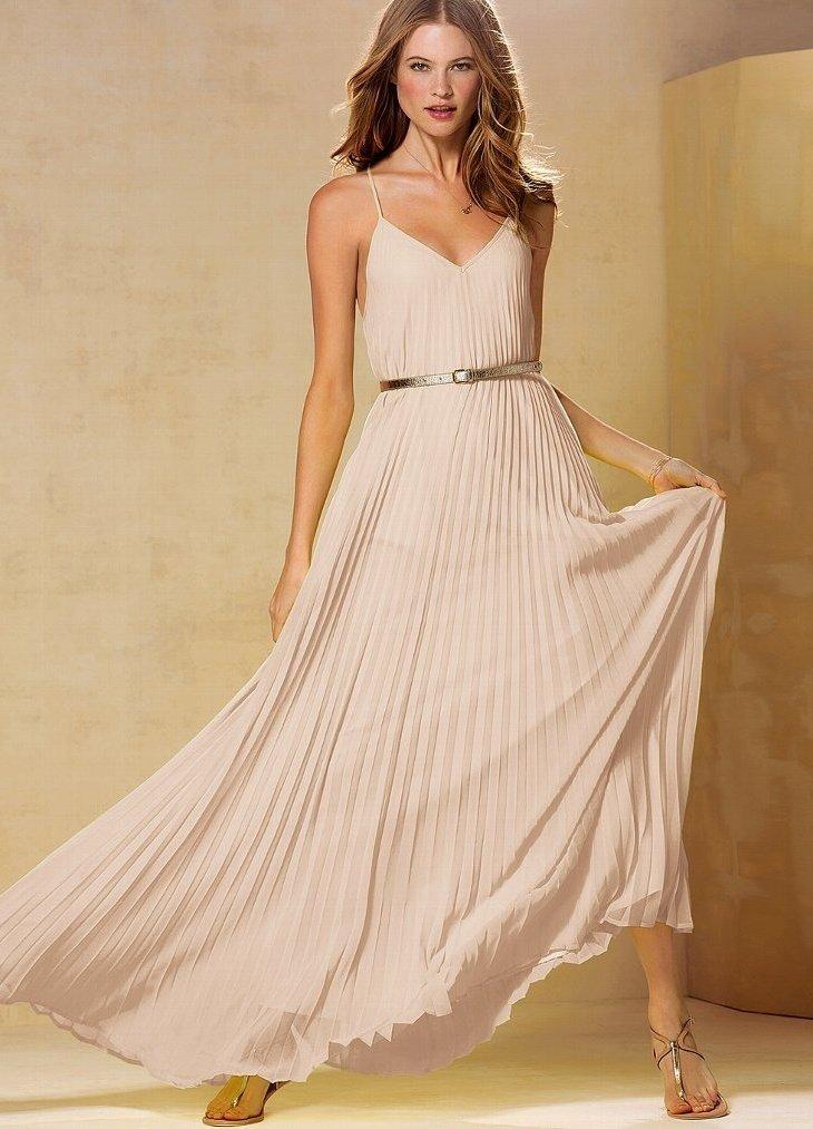 длинное платье кремового цвета фото