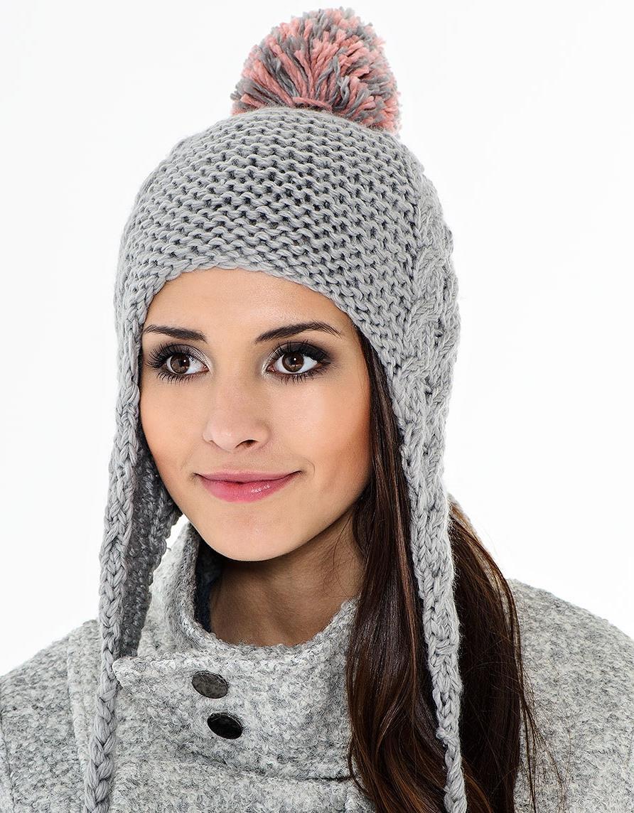 шапка вязаная с завязками фото