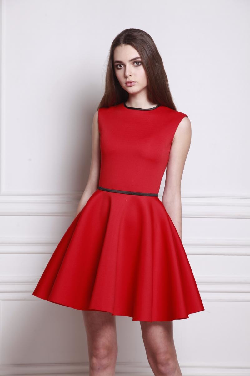 красное платье с пышной юбкой фото
