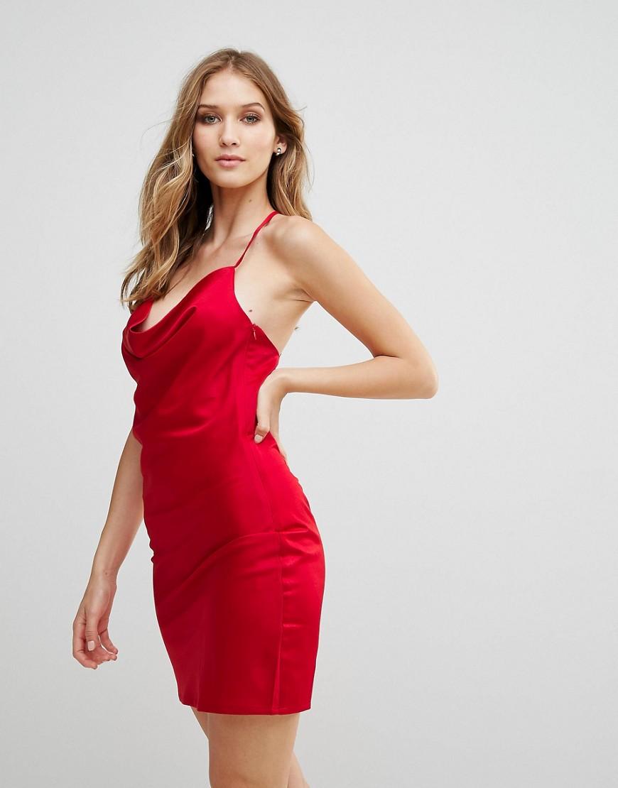 красное платье на бретельках фото