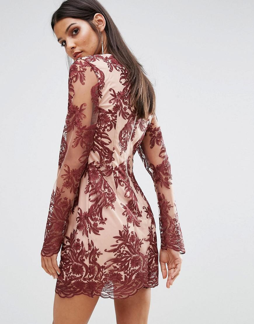 платье с длинным рукавом кружевное фото