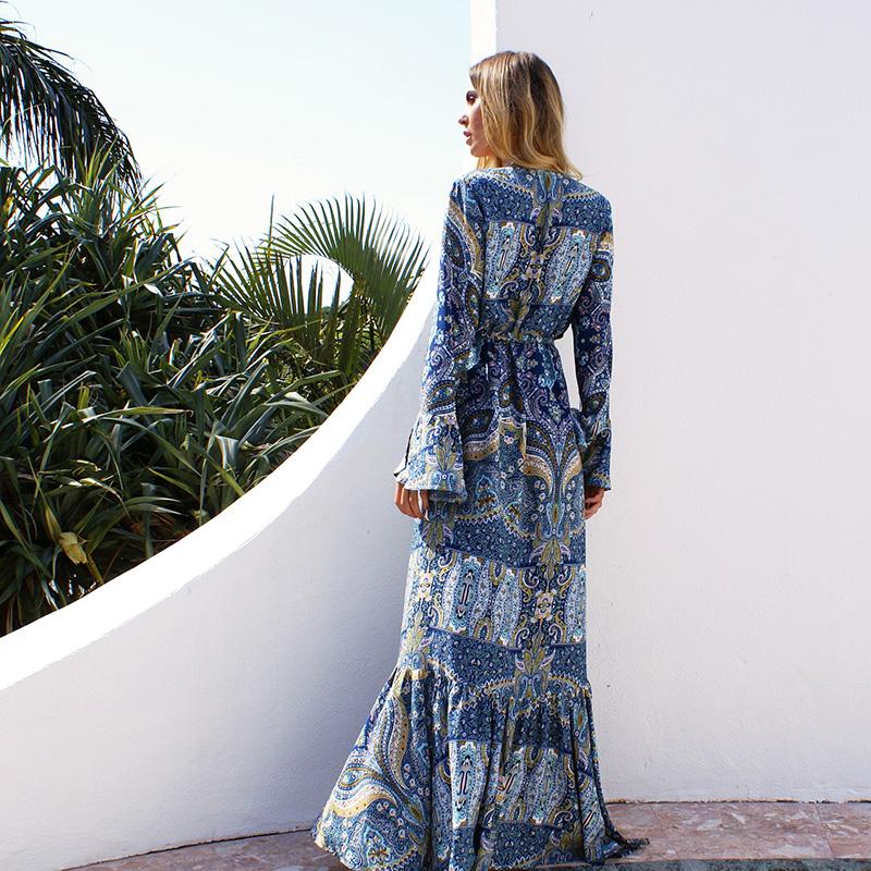 платье с длинным рукавом пляжное фото
