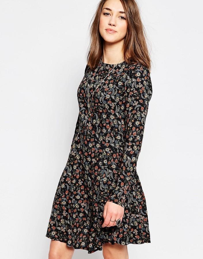 платье с длинным рукавом повседневные фото