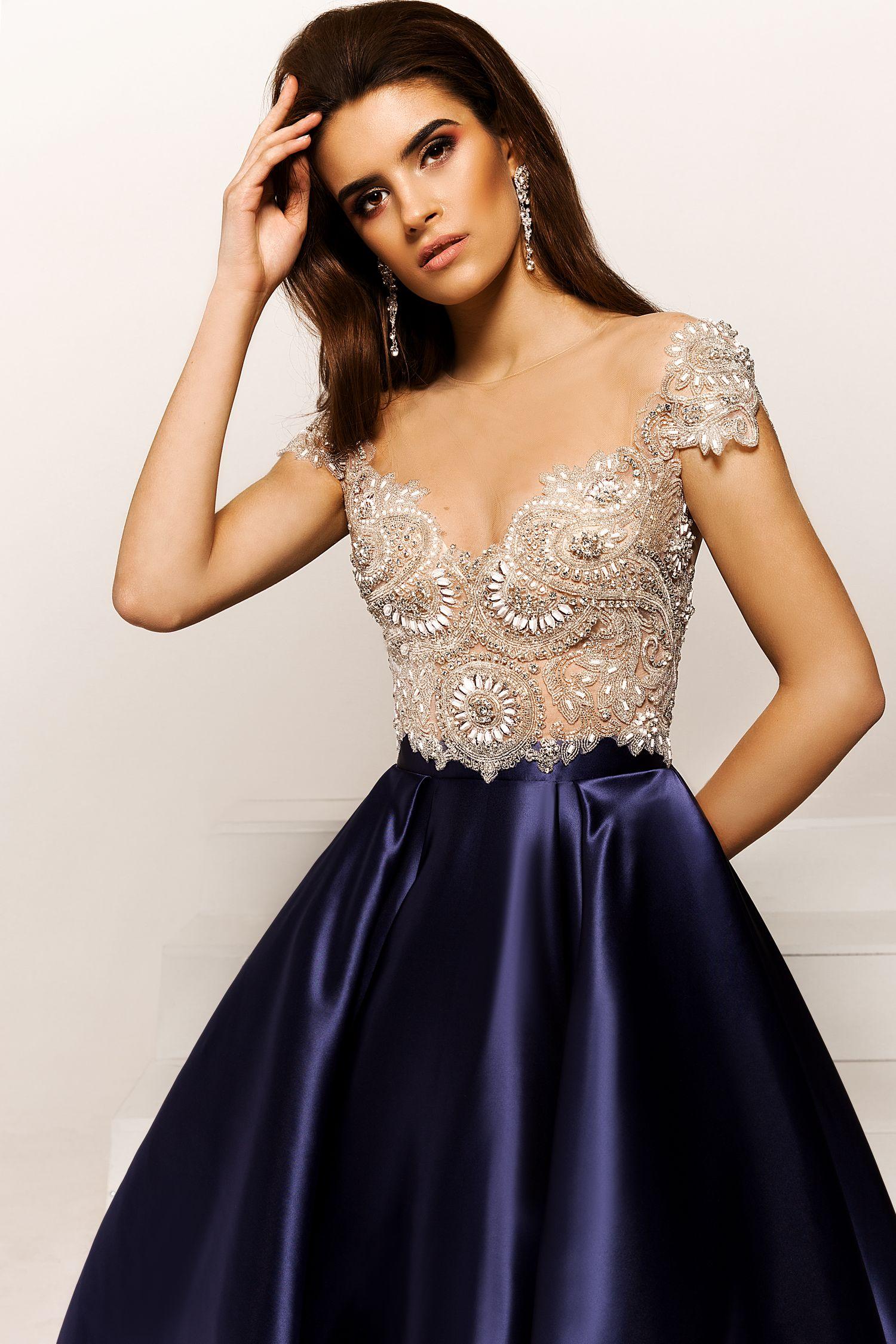 атласное платье на выпускной с вышивкой