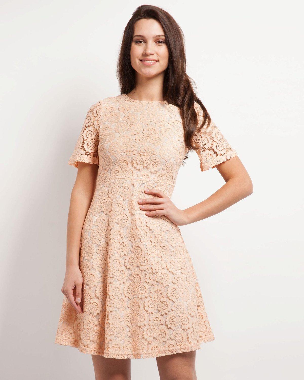 бежевое платье кружевное