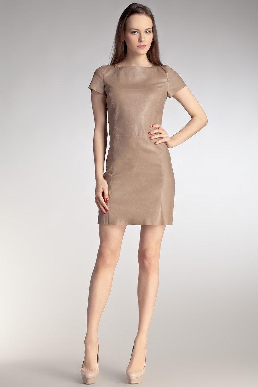 бежевое платье кожаное