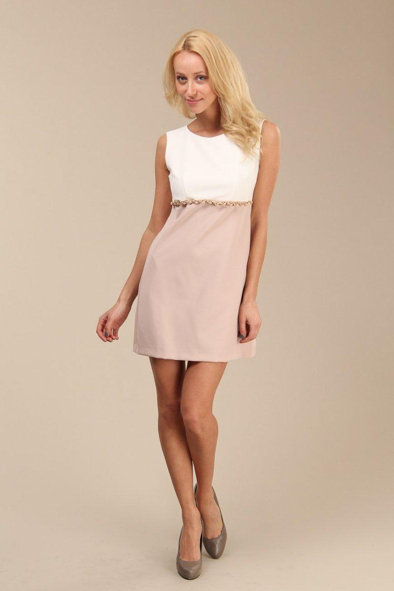 бело-бежевое платье