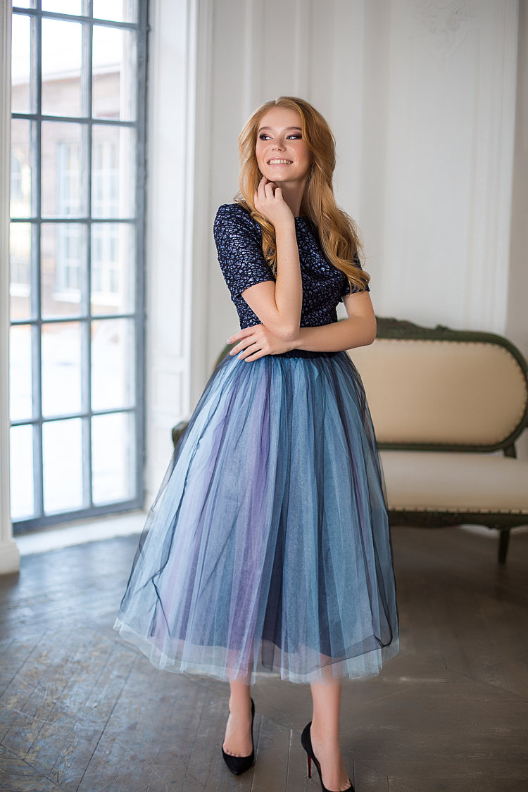 платье из фатина с пышной юбкой