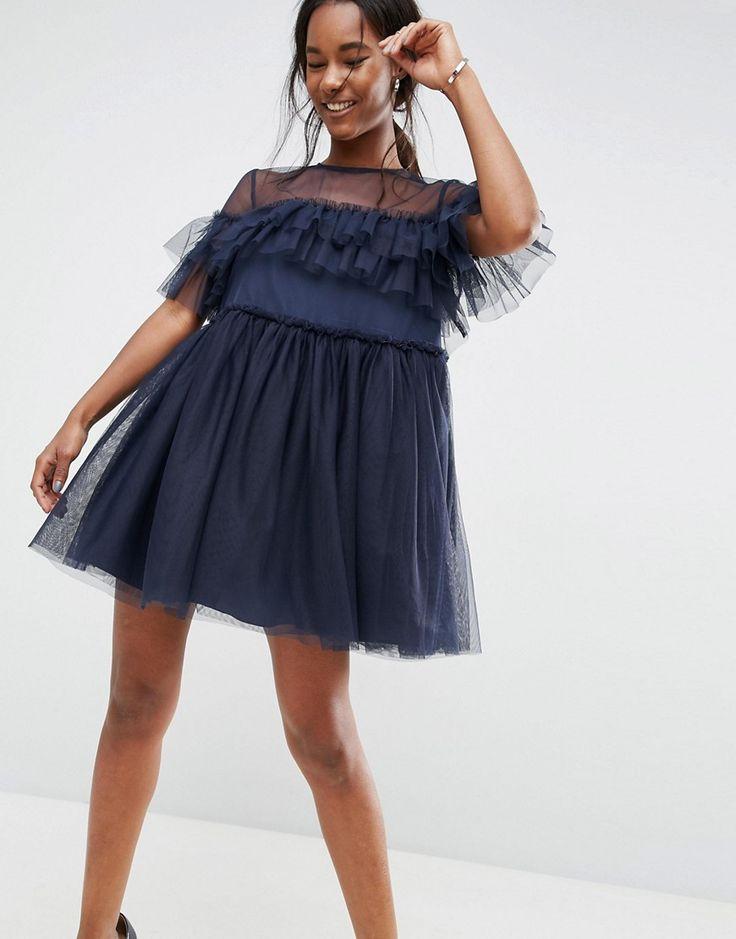 платье из фатина с воланами