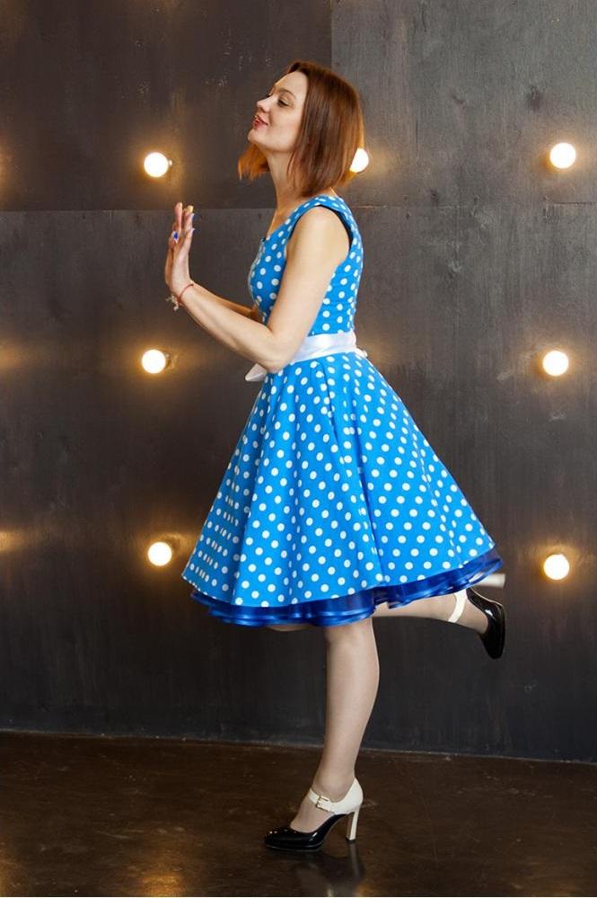 платье из фатина в стиле стиляги
