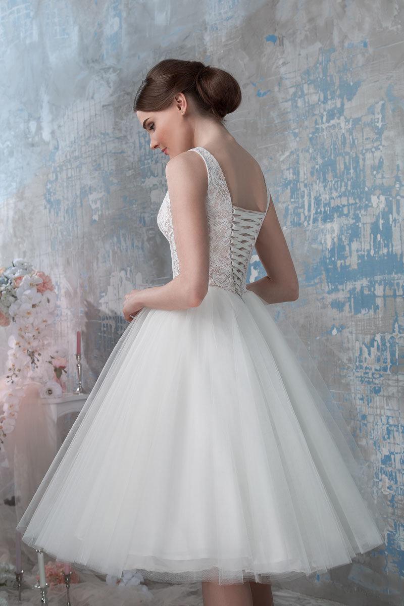 платье из фатина свадебное короткое