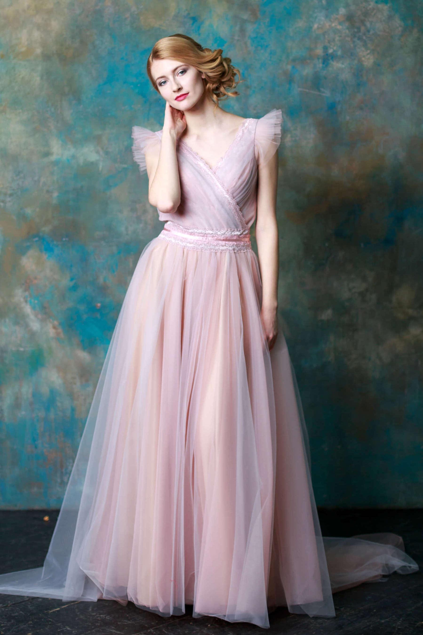 платье из фатина вечернее