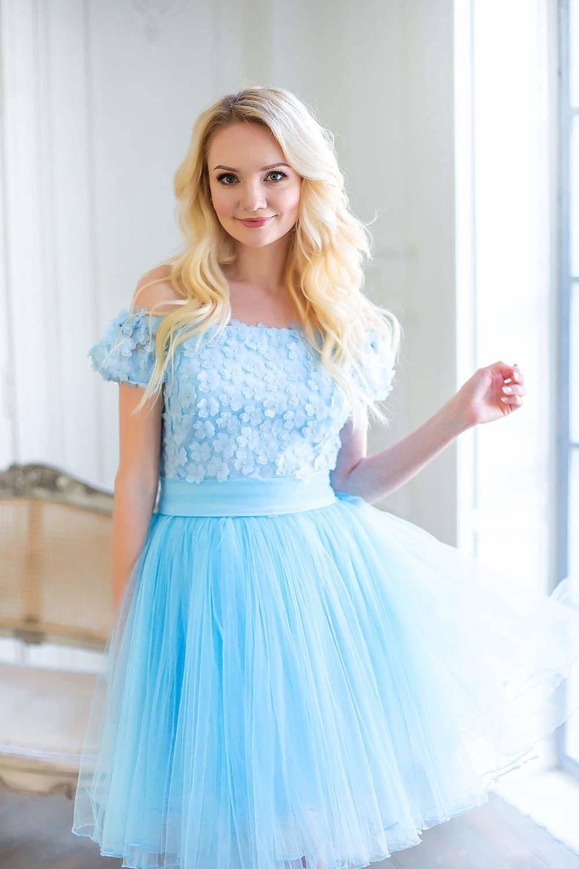 платье фатин голубой