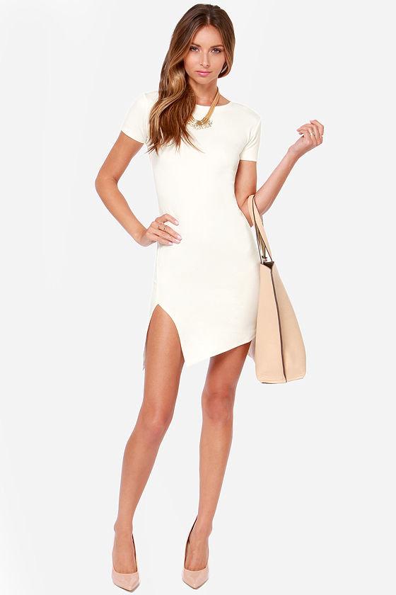 короткое платье с разрезом по ноге фото
