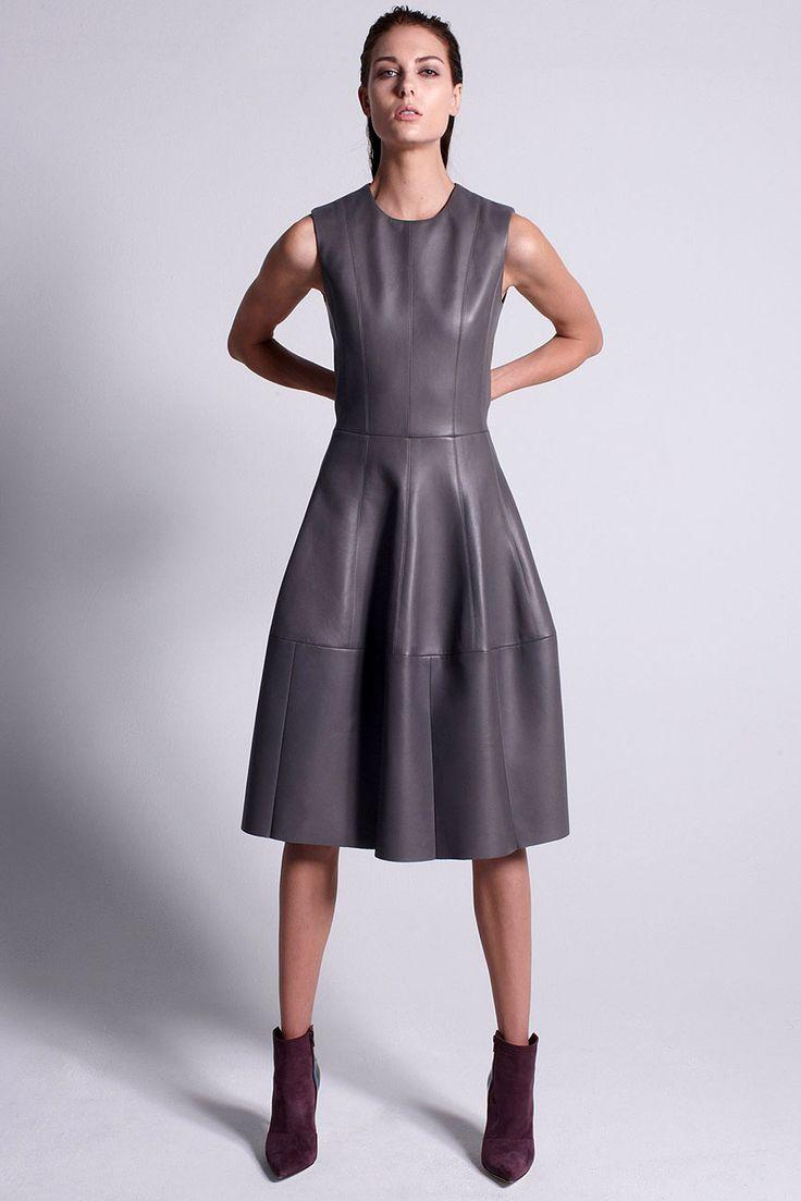 кожаное платье серое