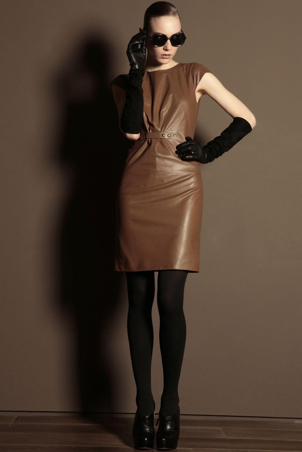 кожаное платье коричневое