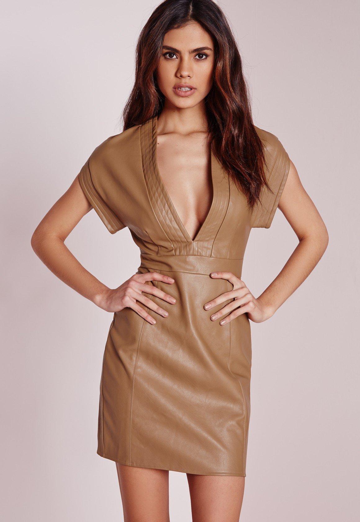 кожаное платье бежевое