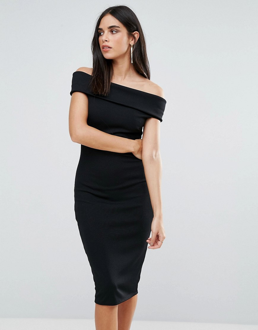 платье с открытыми плечами карандаш