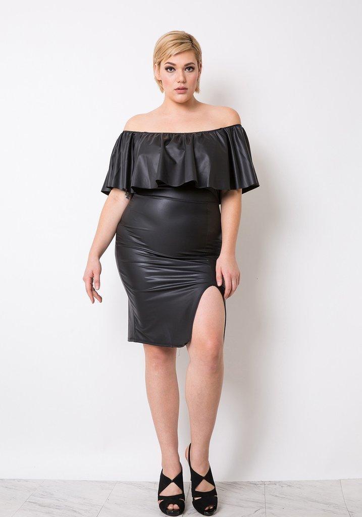 платье с открытыми плечами для полных кожаное
