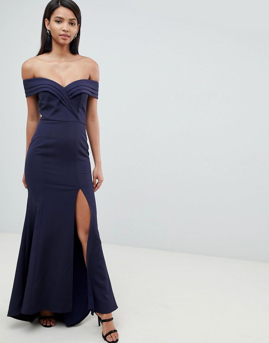 платье с открытыми плечами вечернее