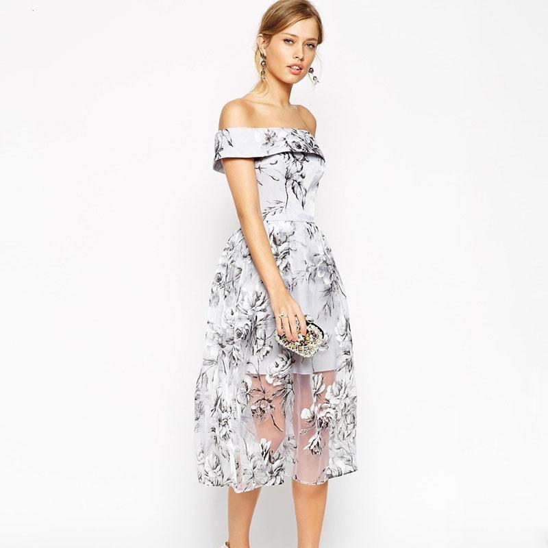 платье с открытыми плечами вечернее с принтом