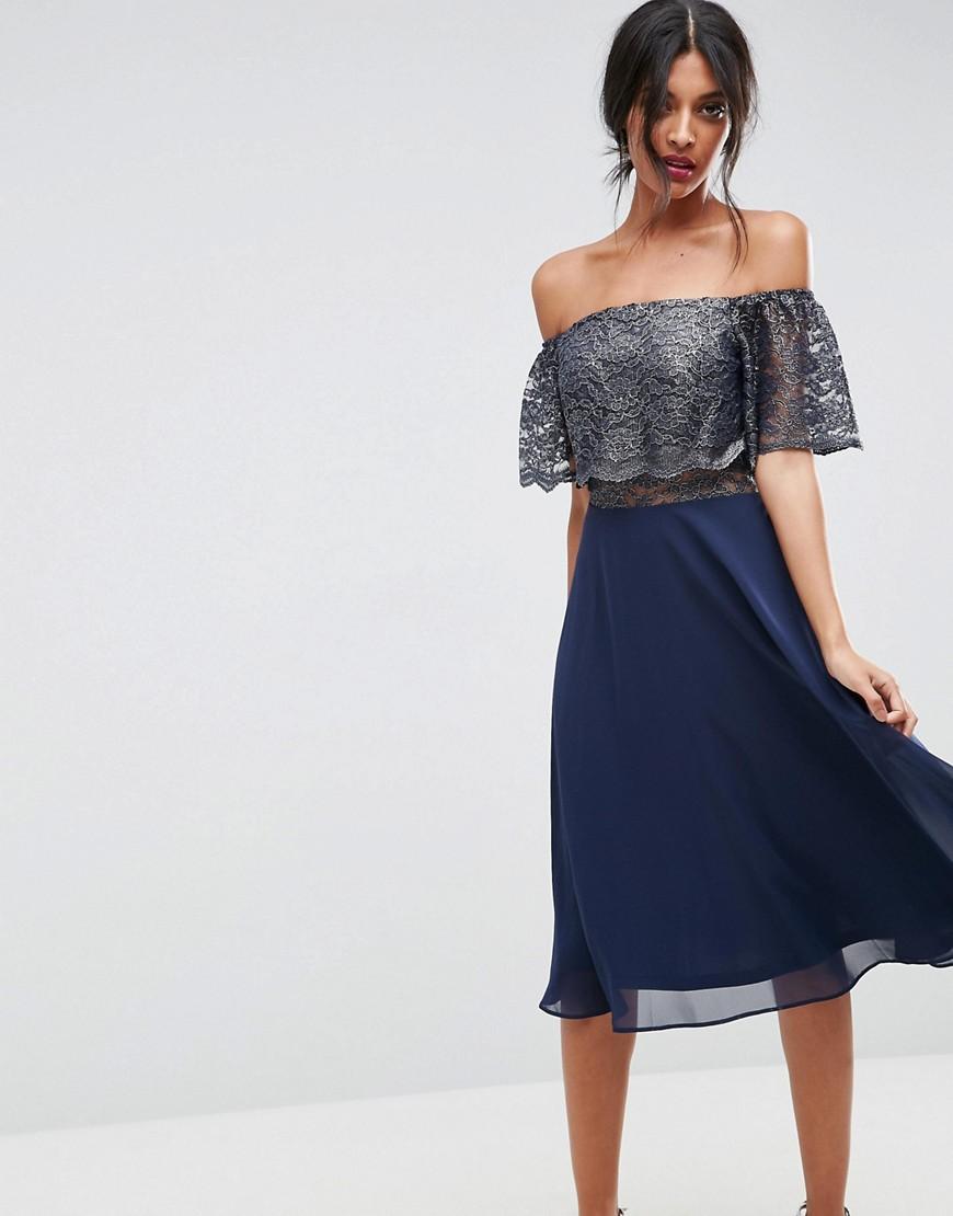 платье с открытыми плечами миди