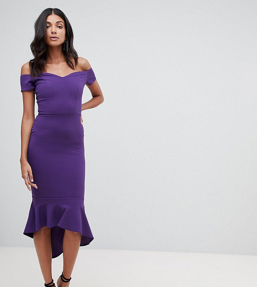 платье с открытыми плечами фиолетовое