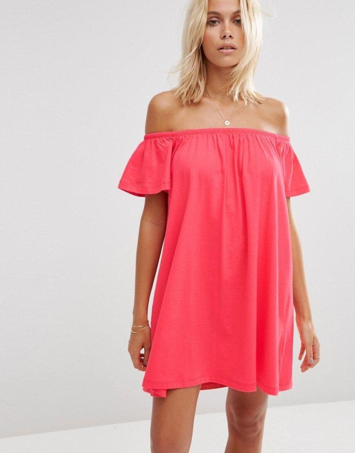 платье с открытыми плечами розовое