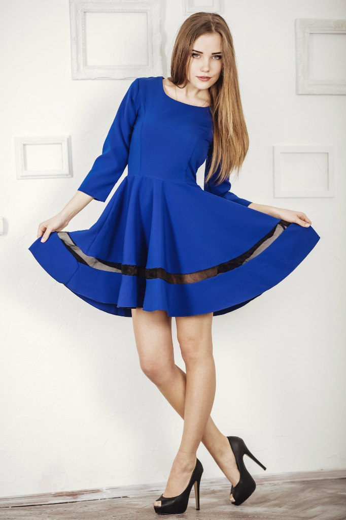 синее платье с юбкой солнце фото